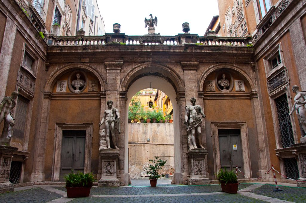 Palazzo Mattei, one of the things to see in the Jewish Ghetto Rome